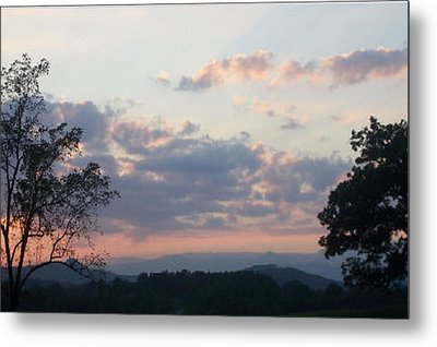 Metal Print featuring the photograph Sunset At Oak Hill Farm by Elizabeth Coats