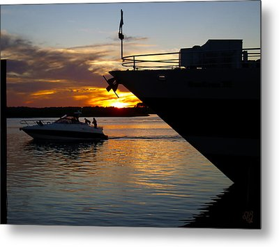 Sunset At The Shore Metal Print by Barbara Middleton