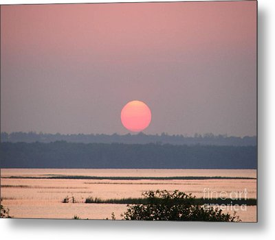 Sunset Over Cook's Bay Metal Print by Ronald Tseng