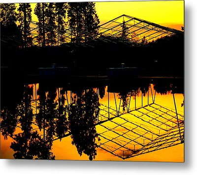 Sunset Over Lake Coeur D Alene Docks Metal Print by Cindy Wright