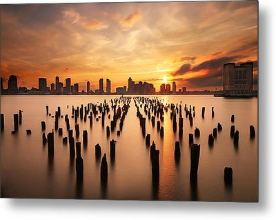 Sunset Over The Hudson River Metal Print by Larry Marshall