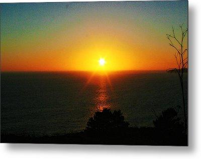 Sunset View Metal Print by Alma Yamazaki