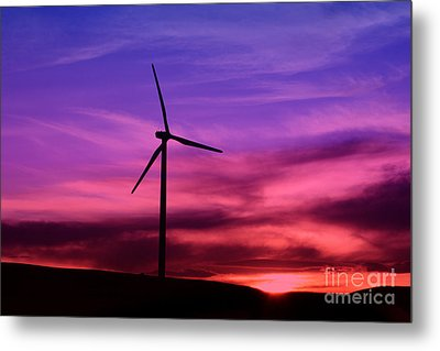 Metal Print featuring the photograph Sunset Windmill by Alyce Taylor
