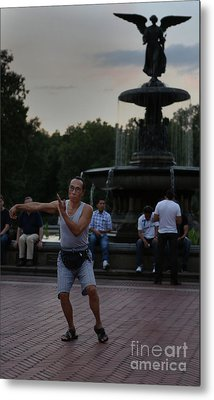 Tai Chi In The Park Metal Print by Lee Dos Santos