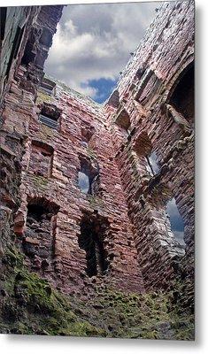 Metal Print featuring the photograph Tantallon Castle by Rod Jones