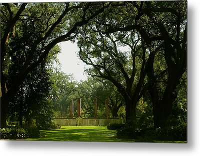 Tezcuco Plantation Grounds Metal Print by Helen Haw