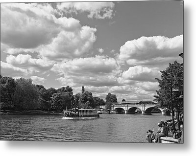 Metal Print featuring the photograph Thames River Cruise by Maj Seda