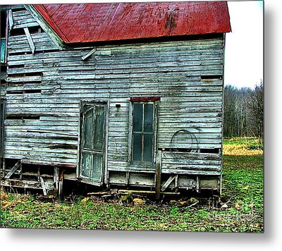 That Old House Down By The Creek Metal Print
