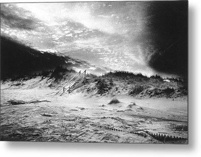 The Beach At Bridgehampton Metal Print by Simon Marsden