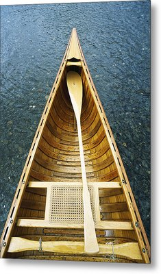 The Bow And Oar Of A Handmade Wooden Metal Print by Bill Curtsinger