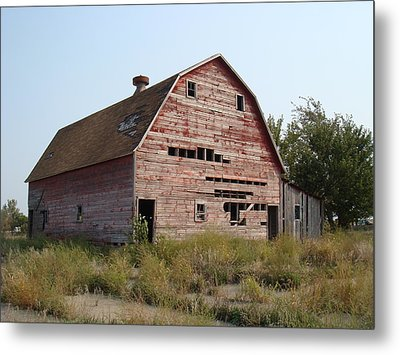 Metal Print featuring the photograph The Hole Barn by Bonfire Photography