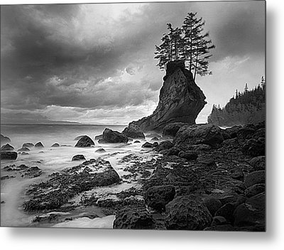 The Old Man Of The Sea - Strait Of Juan De Fuca Metal Print by Nathan Mccreery