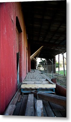 The Red Shed Metal Print by Carole Hinding