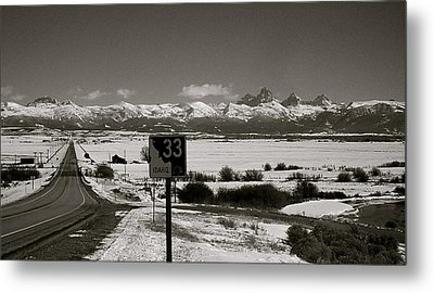 Metal Print featuring the photograph The Road Home by Eric Tressler