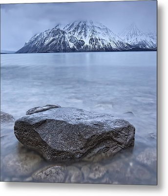 The Shoreline Of Kathleen Lake In Late Metal Print by Robert Postma