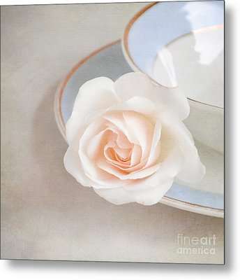 The Sweetest Rose Metal Print by Lyn Randle