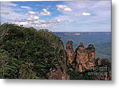 The Three Sisters - The Blue Mountains Metal Print by Kaye Menner