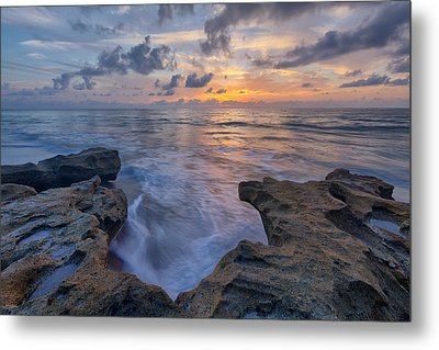 The Tide Rushes In Metal Print by Claudia Domenig