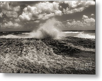 The Wave Metal Print by Jeff Breiman