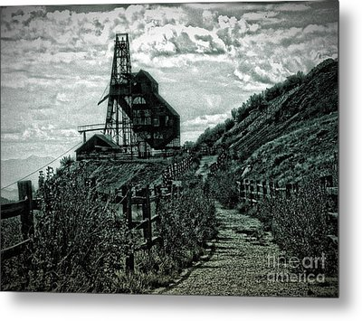 There's Gold In Them Hills Metal Print by Christina Perry