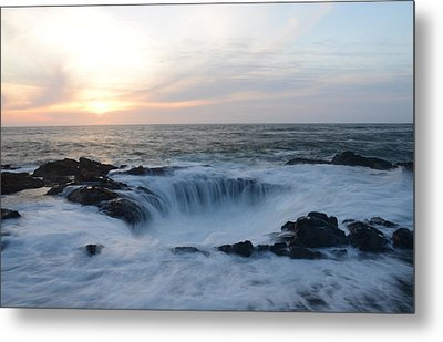 Thor's Well Metal Print by Craig Ratcliffe