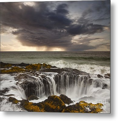 Thor's Well Metal Print by Keith Kapple