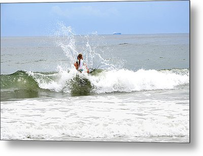Metal Print featuring the photograph Through The Waves by Maureen E Ritter