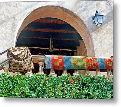 Metal Print featuring the photograph Tiaquepaque Market Balcony by Helen Haw