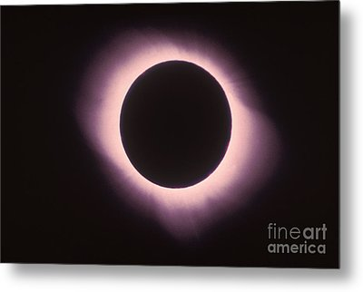 Total Solar Eclipse With Corona Metal Print by Science Source