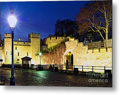 Tower Of London Walls At Night Metal Print