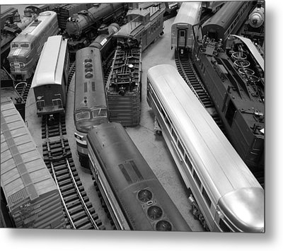 Metal Print featuring the photograph Trains 2 Bw by Elizabeth Sullivan