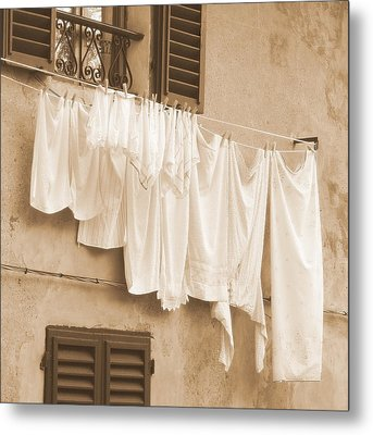 Metal Print featuring the photograph Tuscan Laundry by Ramona Johnston
