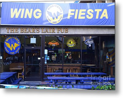 Uc Berkeley . Bears Lair Pub . 7d10165 Metal Print by Wingsdomain Art and Photography