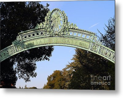 Uc Berkeley . Sproul Plaza . Sather Gate . 7d10031 Metal Print by Wingsdomain Art and Photography