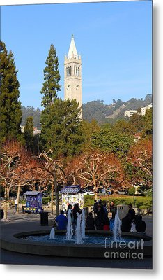 Uc Berkeley . Sproul Plaza . Sather Gate . 7d9998 Metal Print by Wingsdomain Art and Photography
