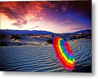 Umbrella On Desert Sands Metal Print by Garry Gay