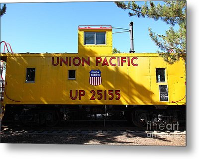 Union Pacific Caboose - 5d19206 Metal Print by Wingsdomain Art and Photography