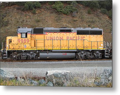 Union Pacific Locomotive . 7d10569 Metal Print by Wingsdomain Art and Photography