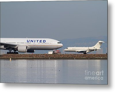 United Airlines Jet Airplane At San Francisco International Airport Sfo . 7d12081 Metal Print by Wingsdomain Art and Photography