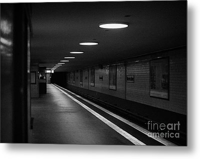 Unter Der Linden Ghost Station U-bahn Station Berlin Germany Metal Print