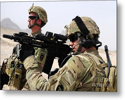 U.s. Army National Guards Pull Security Metal Print by Stocktrek Images