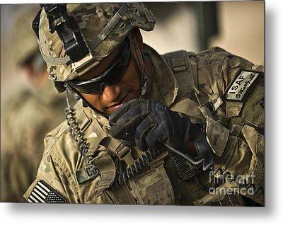 U.s. Army Soldier Communicates Metal Print by Stocktrek Images