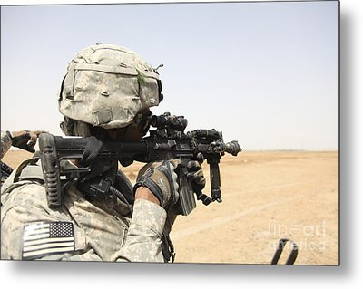 U.s. Army Soldier Scans The Horizon Metal Print by Stocktrek Images