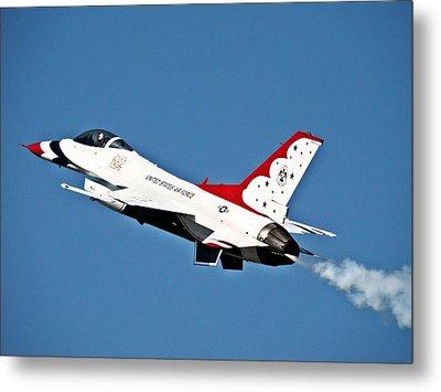 Usaf Thunderbird F-16 Metal Print by Nick Kloepping