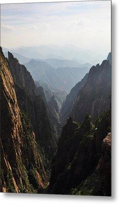 Valley In Huangshan Metal Print