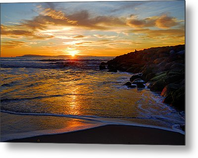 Metal Print featuring the photograph Ventura Beach Sunset by Lynn Bauer