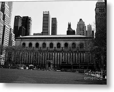 View From Bryant Park Nyc Metal Print by Trude Janssen