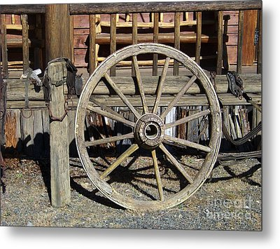 Wagon Wheel Metal Print by Charles Robinson