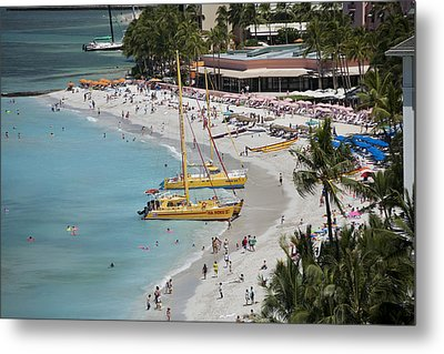 Waikiki Beach And Catamarans Metal Print by Peter French