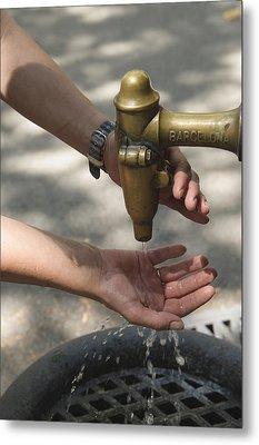 Washing Hands Metal Print by Matthias Hauser